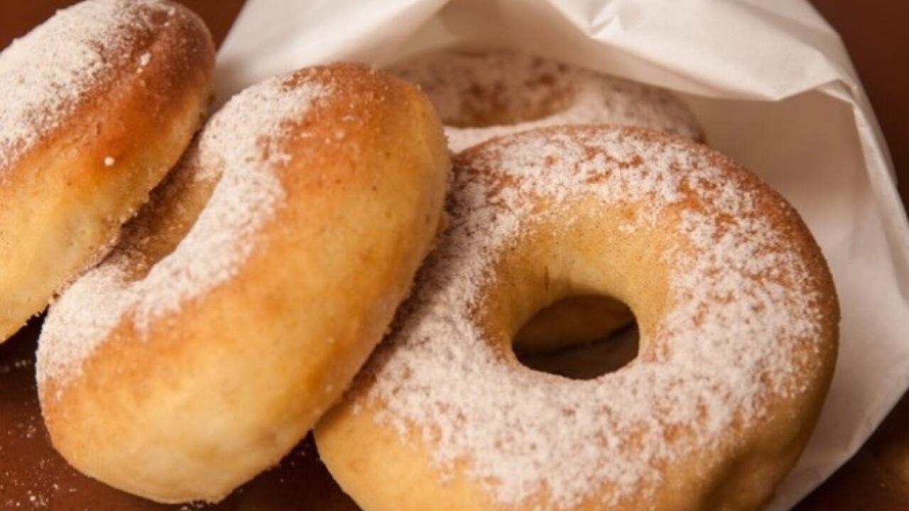 Fahéjas cukros sütőben sült fánk