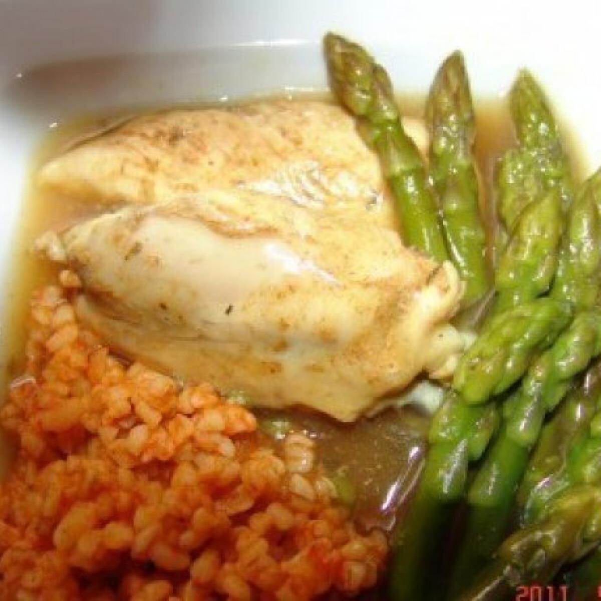 Fűszeres tápiókás csirke spárgával