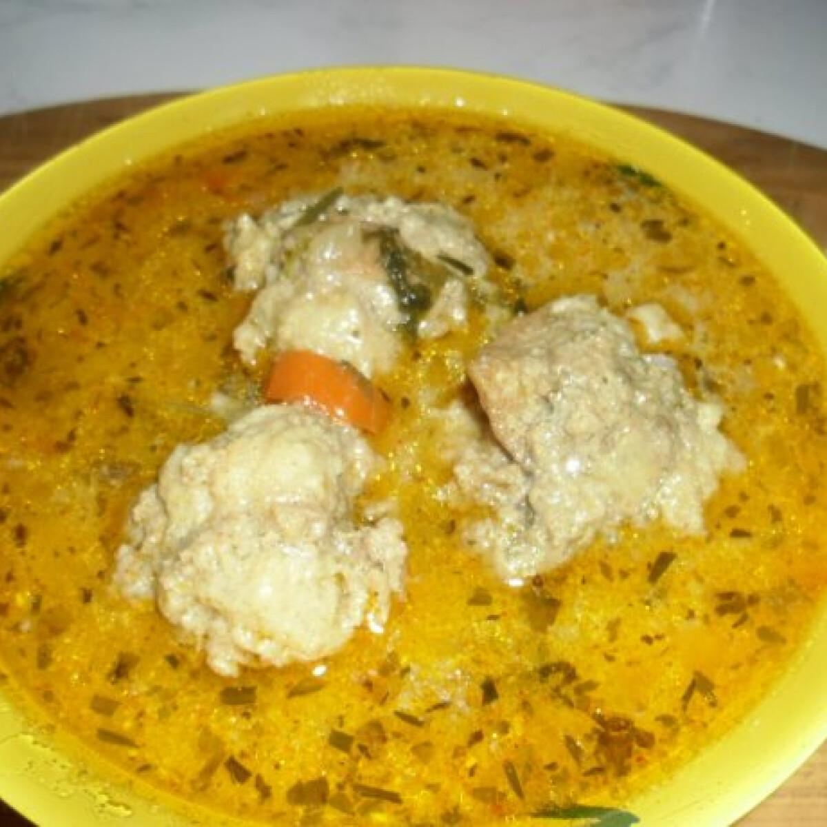 Tárkonyos húsgombócos leves