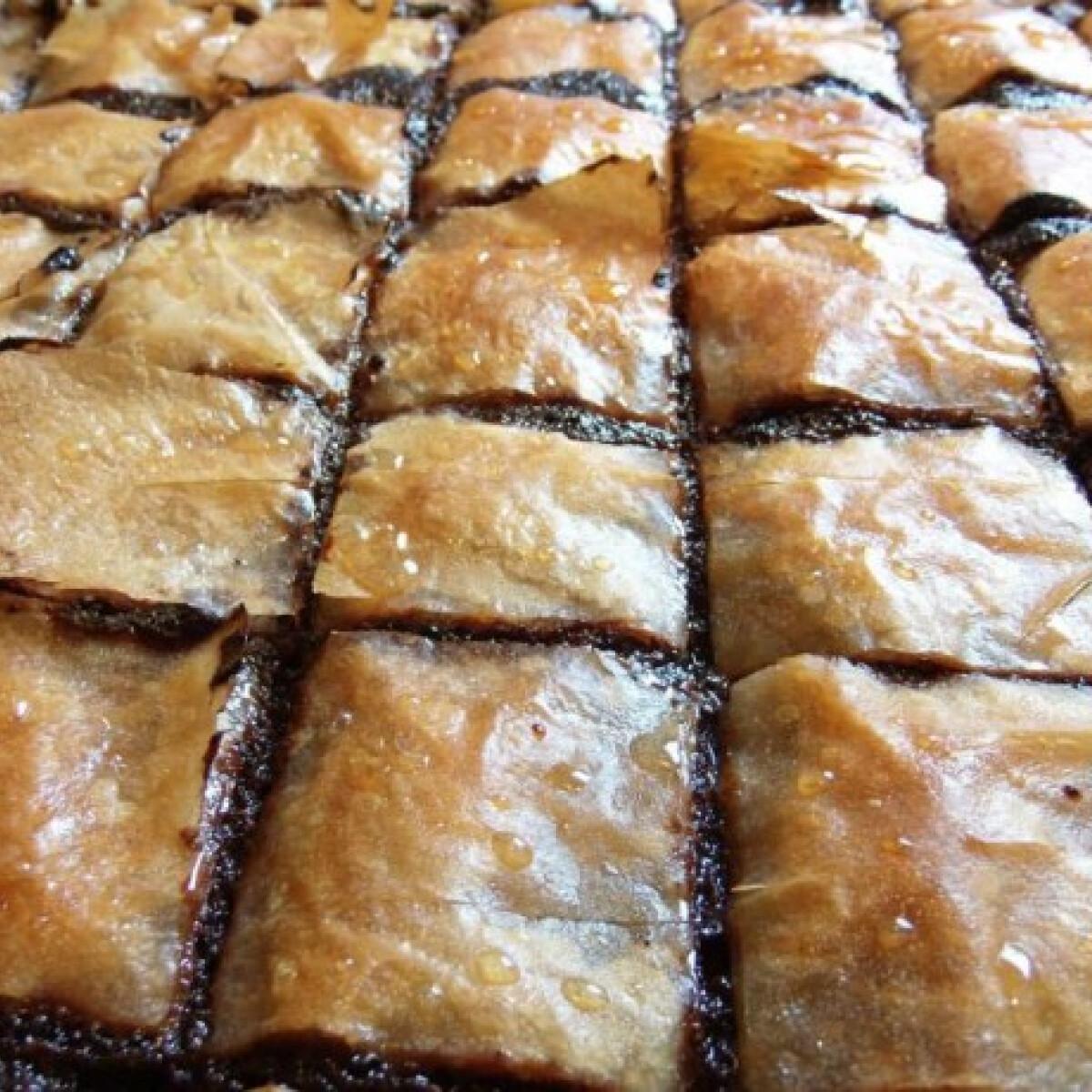 Ezen a képen: Mákos baklava Paskó atya konyhájából