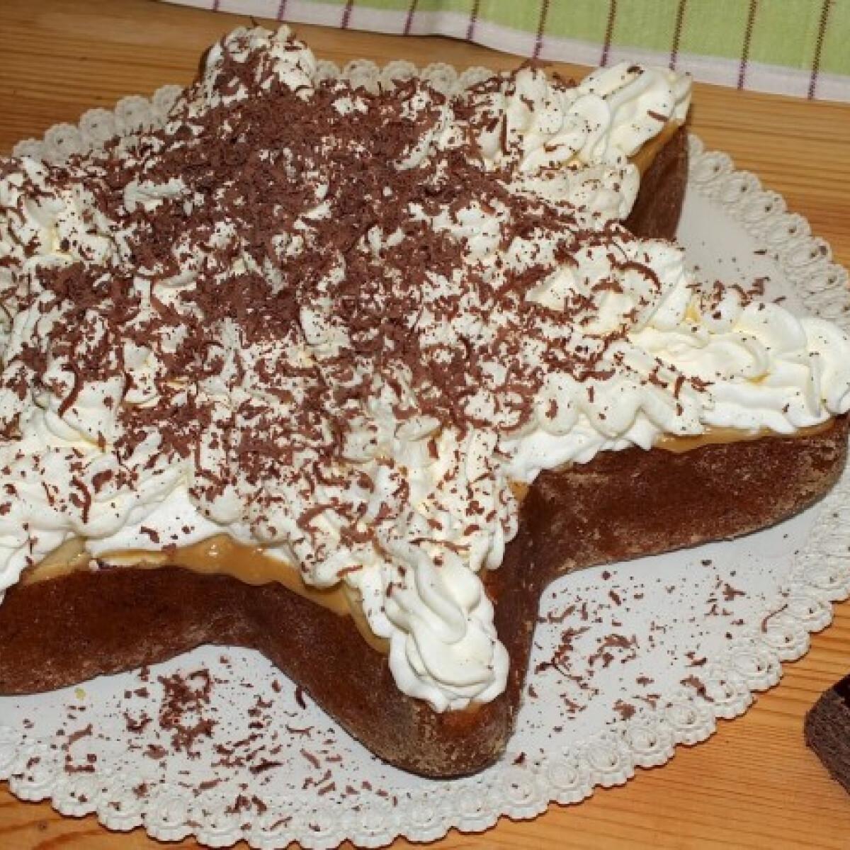 Ezen a képen: Banános karamellás torta SüniSütitől