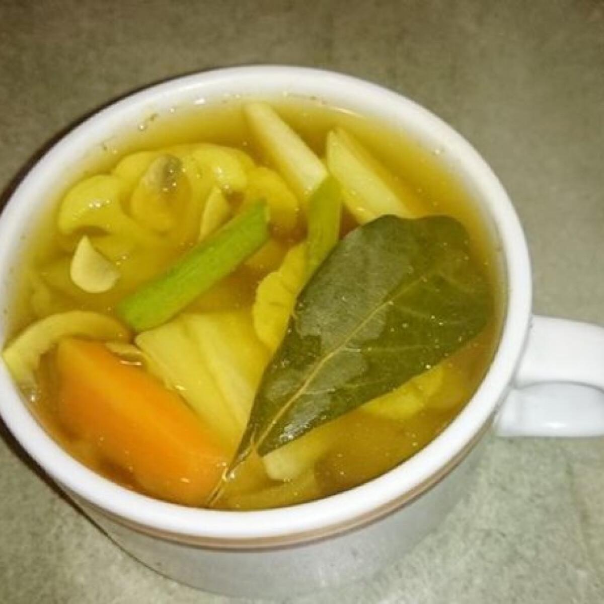 Ezen a képen: Keleti fűszeres zöldségleves