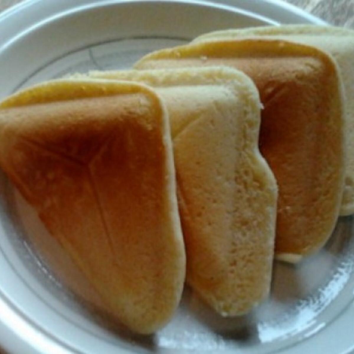 Ezen a képen: Szendvicssütőben sült sütemény