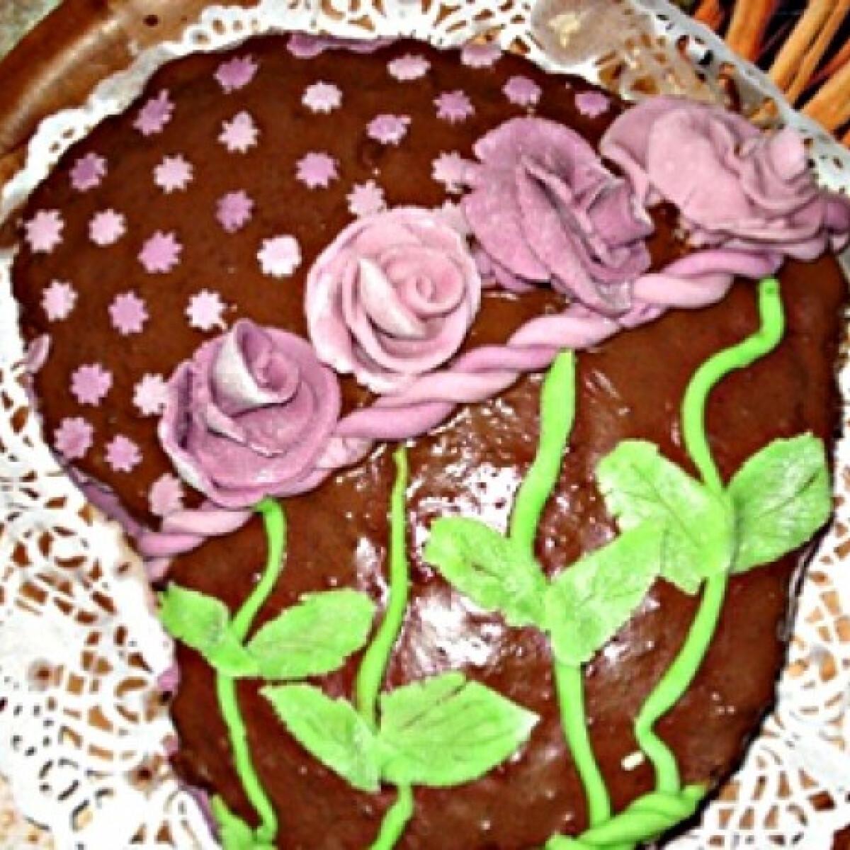 Ezen a képen: Tiramisu ízű krémmel töltött brownie torta