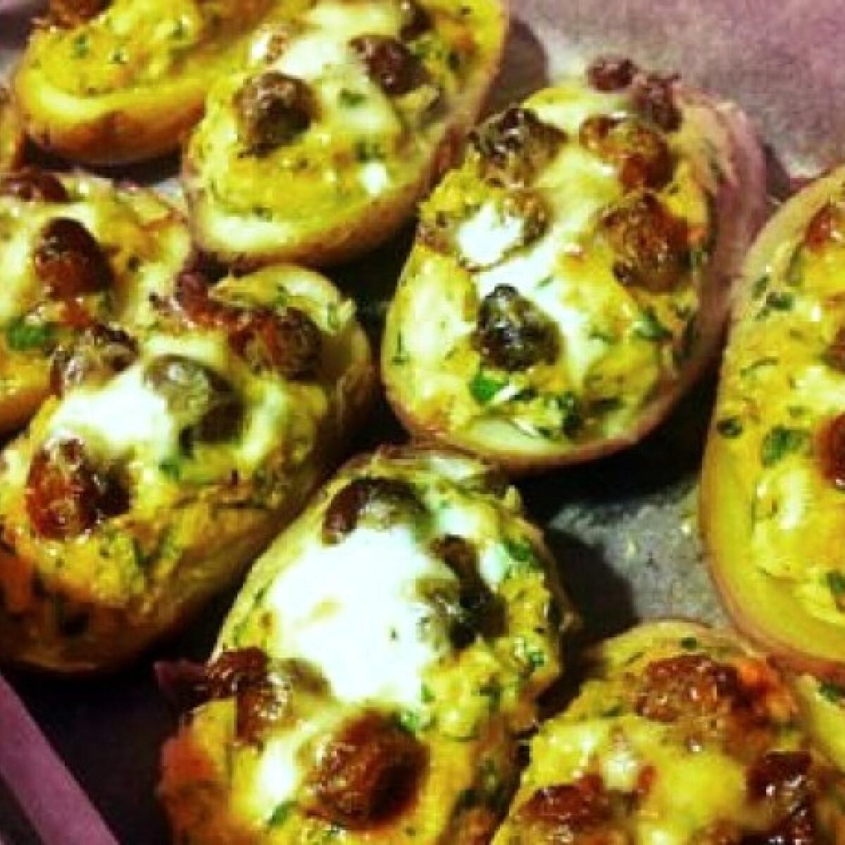 Ezen a képen: Sütőtökös töltött krumpli