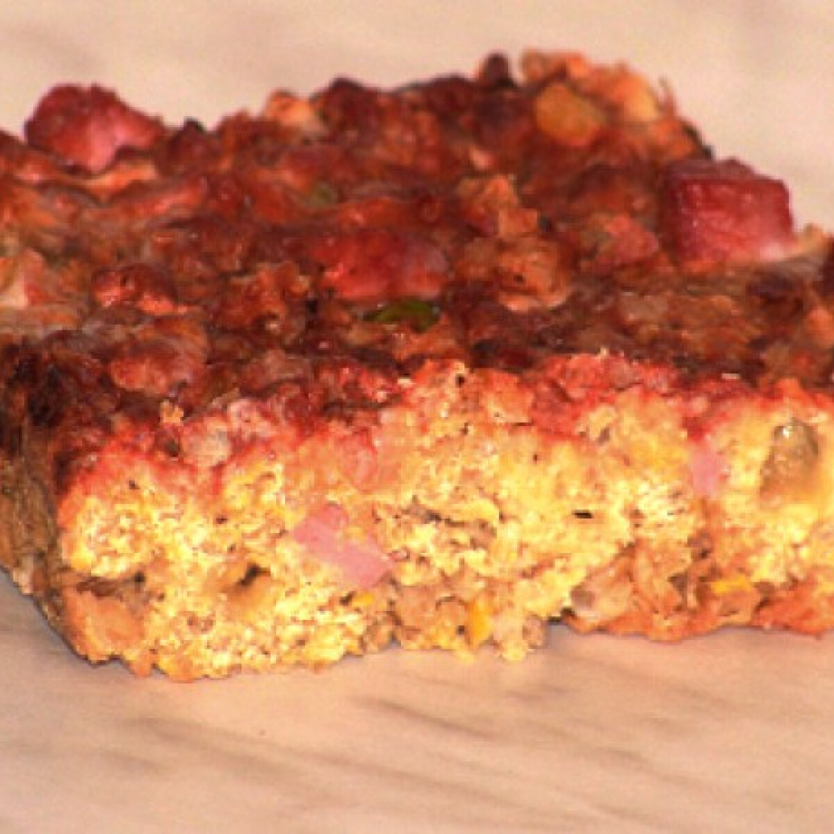 Ezen a képen: Zöldséges zabos kenyér-pizza