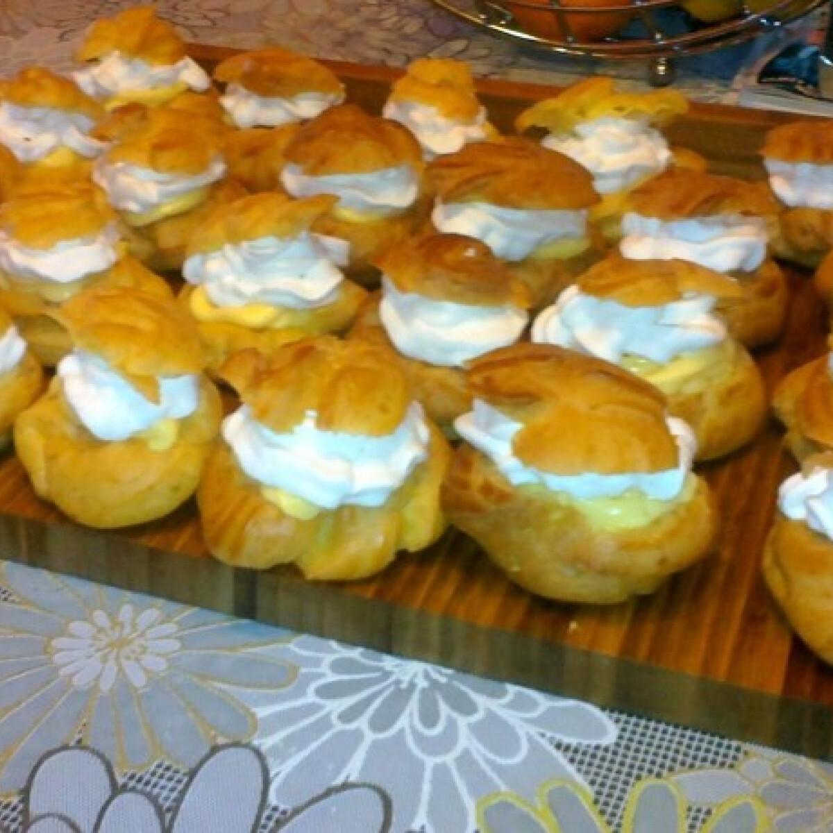 Ezen a képen: Képviselőfánk Málna konyhájából