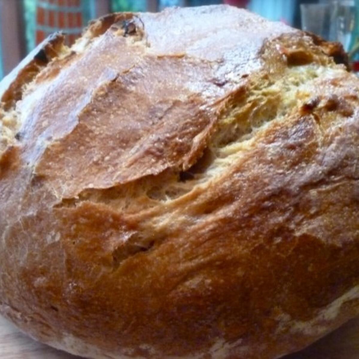 Ezen a képen: Félbarna vadélesztős-kovászos kenyér