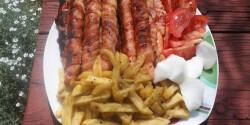 Baconbe tekert grillezett virsli