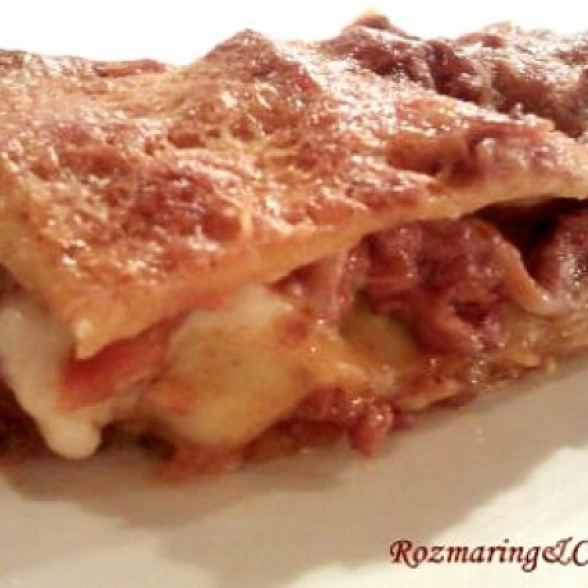 Ezen a képen: Tradicionális bolognai lasagne