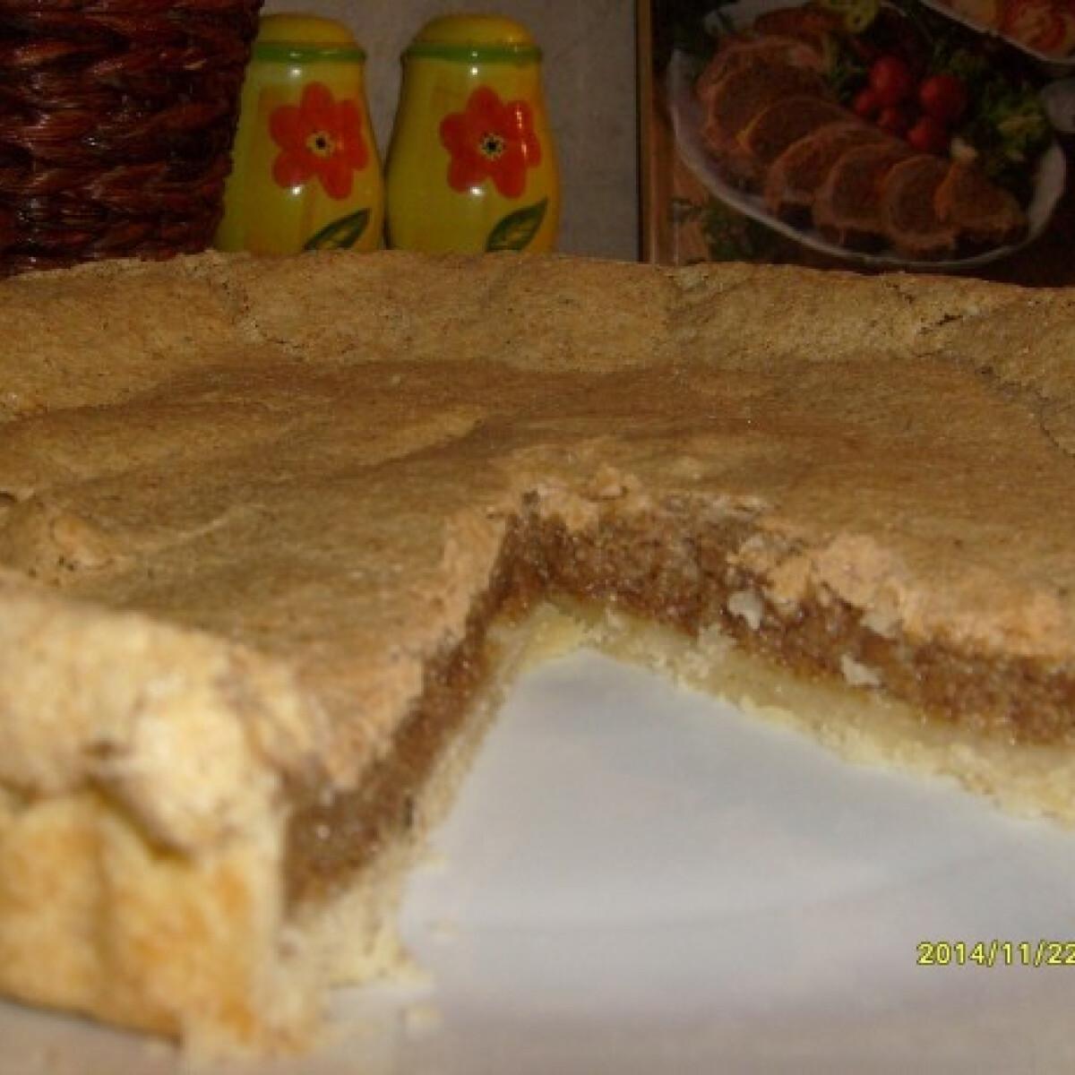 Ezen a képen: Dióhabos pite