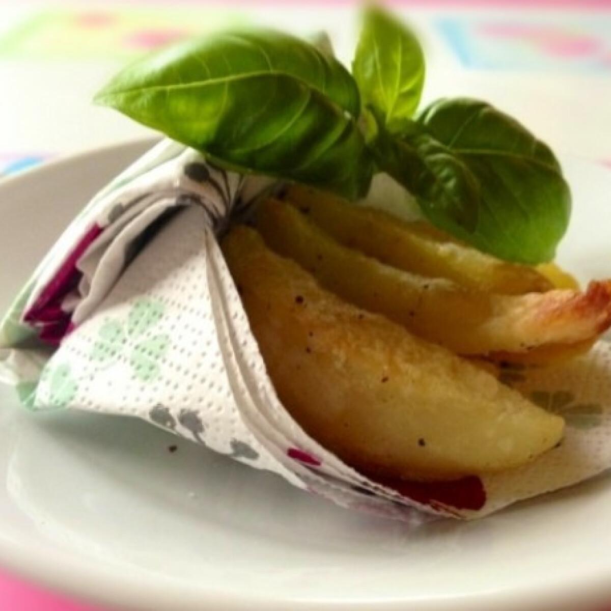 Ezen a képen: Fokhagymás főtt-sült krumpli