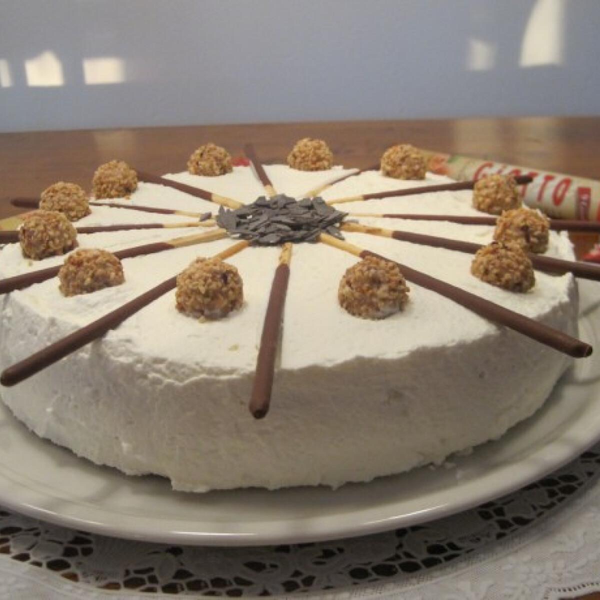 Ezen a képen: Giotto torta