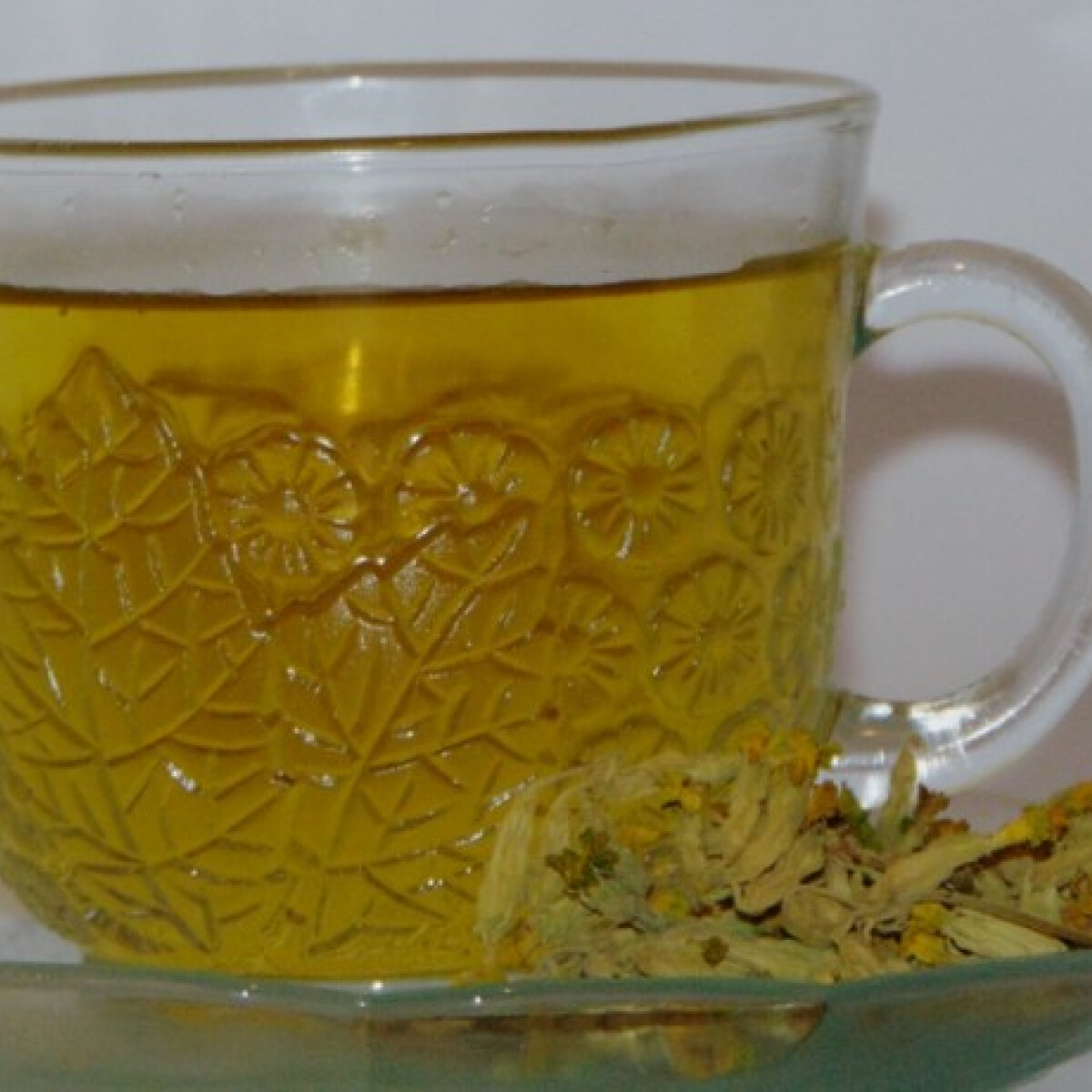 Kankalinos citromfűtea