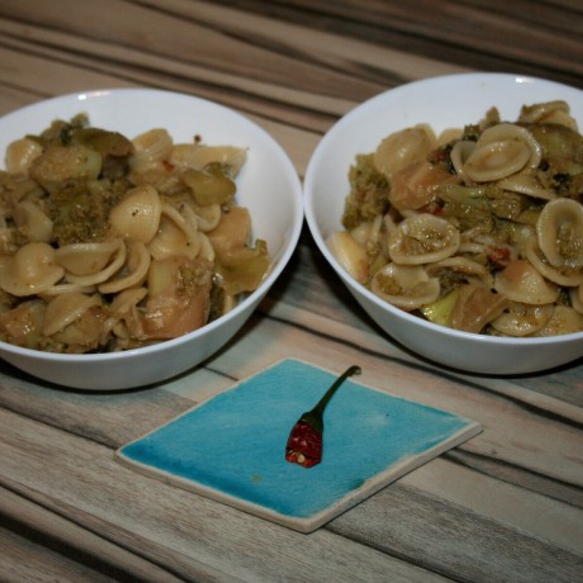 Ezen a képen: Orecchiette szardellával és brokkolival