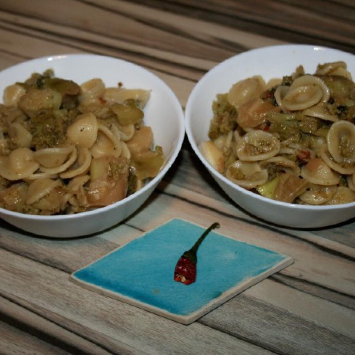 Orecchiette szardellával és brokkolival