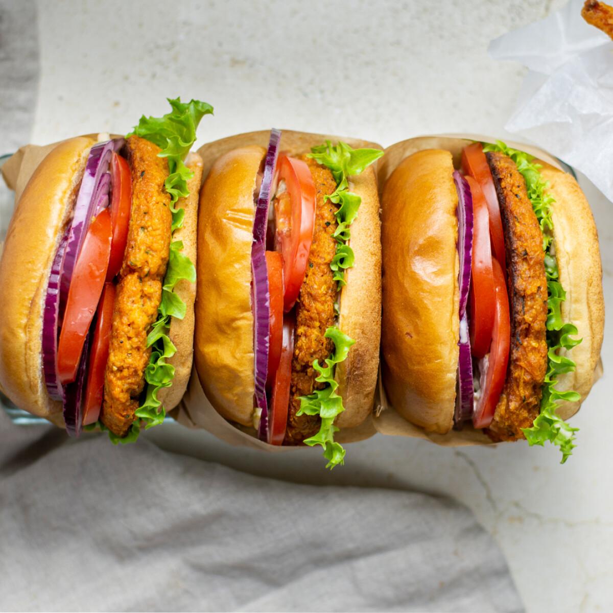 Ezen a képen: A legfinomabb sütőtökburger