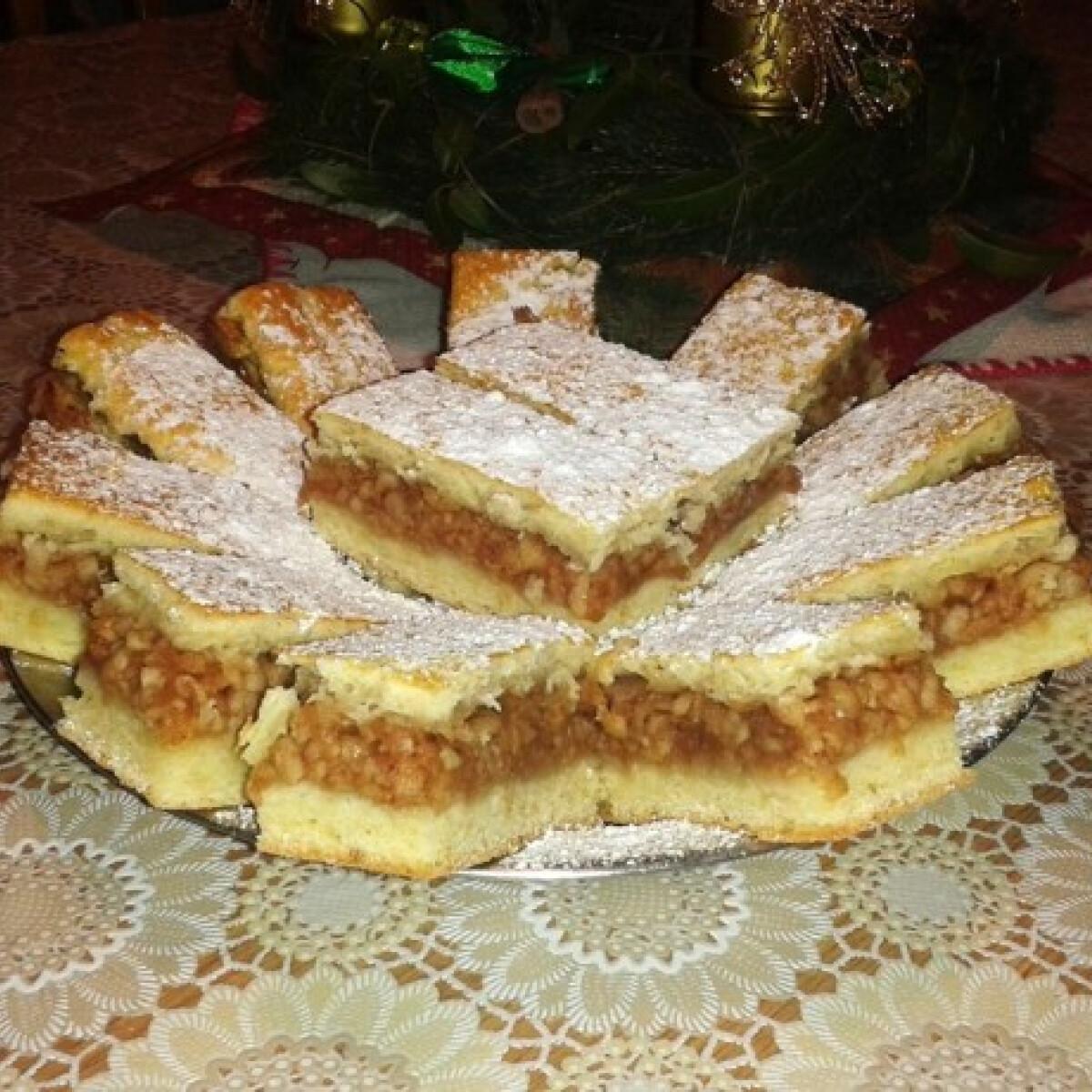 Ezen a képen: Almás pite Magdolna konyhájából