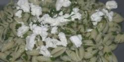 Kapros-snidlinges-juhtúrós tészta