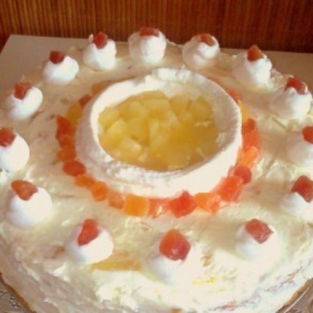 Ezen a képen: Kókuszos-ananászos túrótorta
