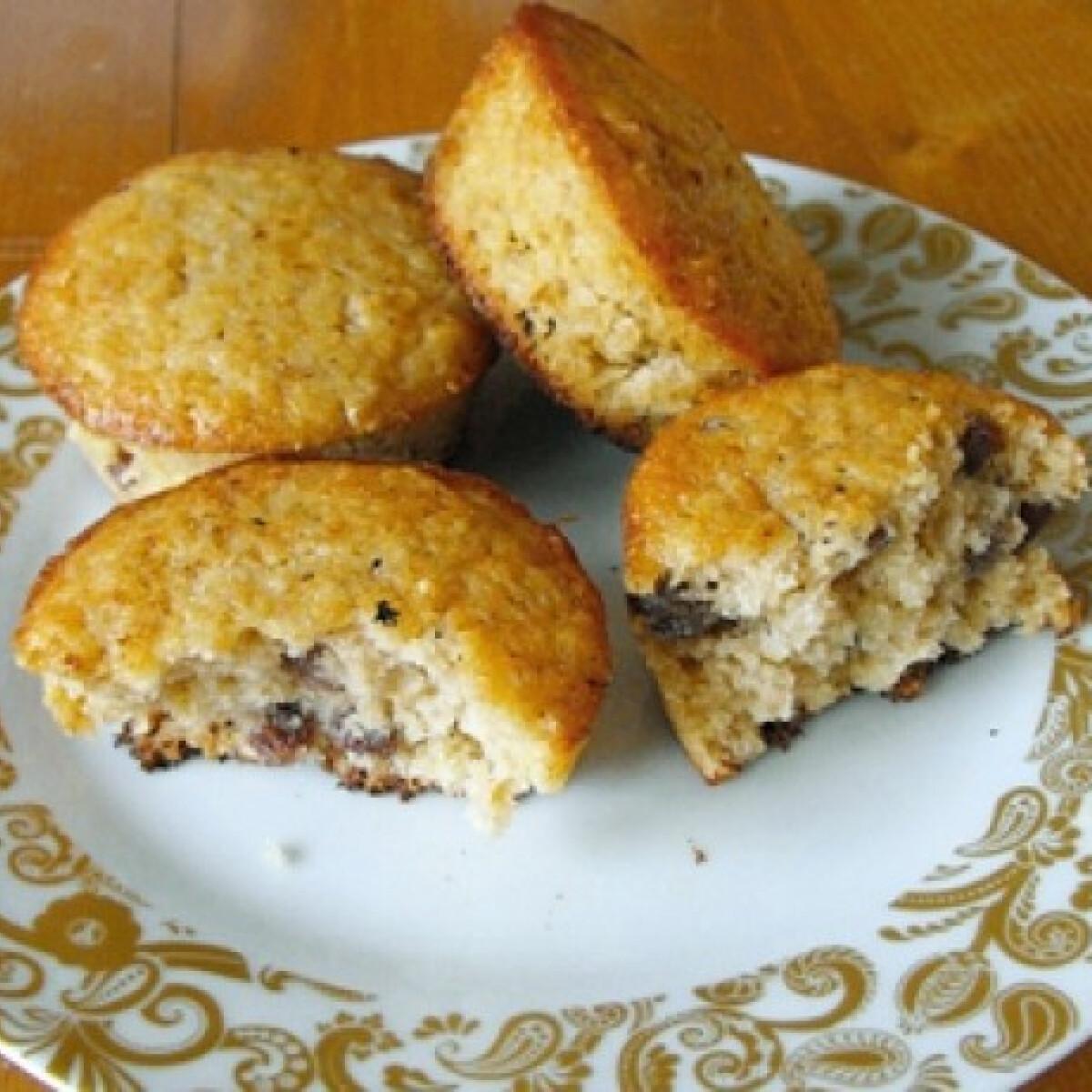 Ezen a képen: Zabpelyhes-mazsolás muffin