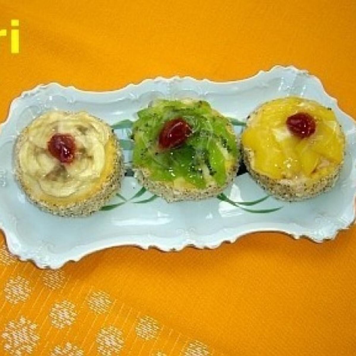 Ezen a képen: Gyümölcsös minitorták
