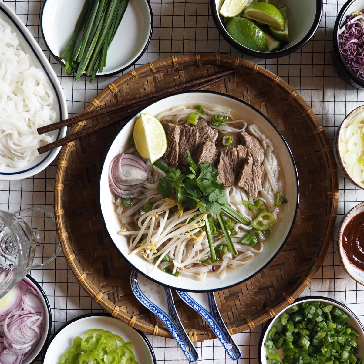 Ezen a képen: Phở bò, avagy vietnami pho leves marhából