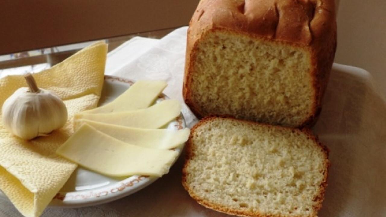 Sajtos-fokhagymás kenyér Gabystól