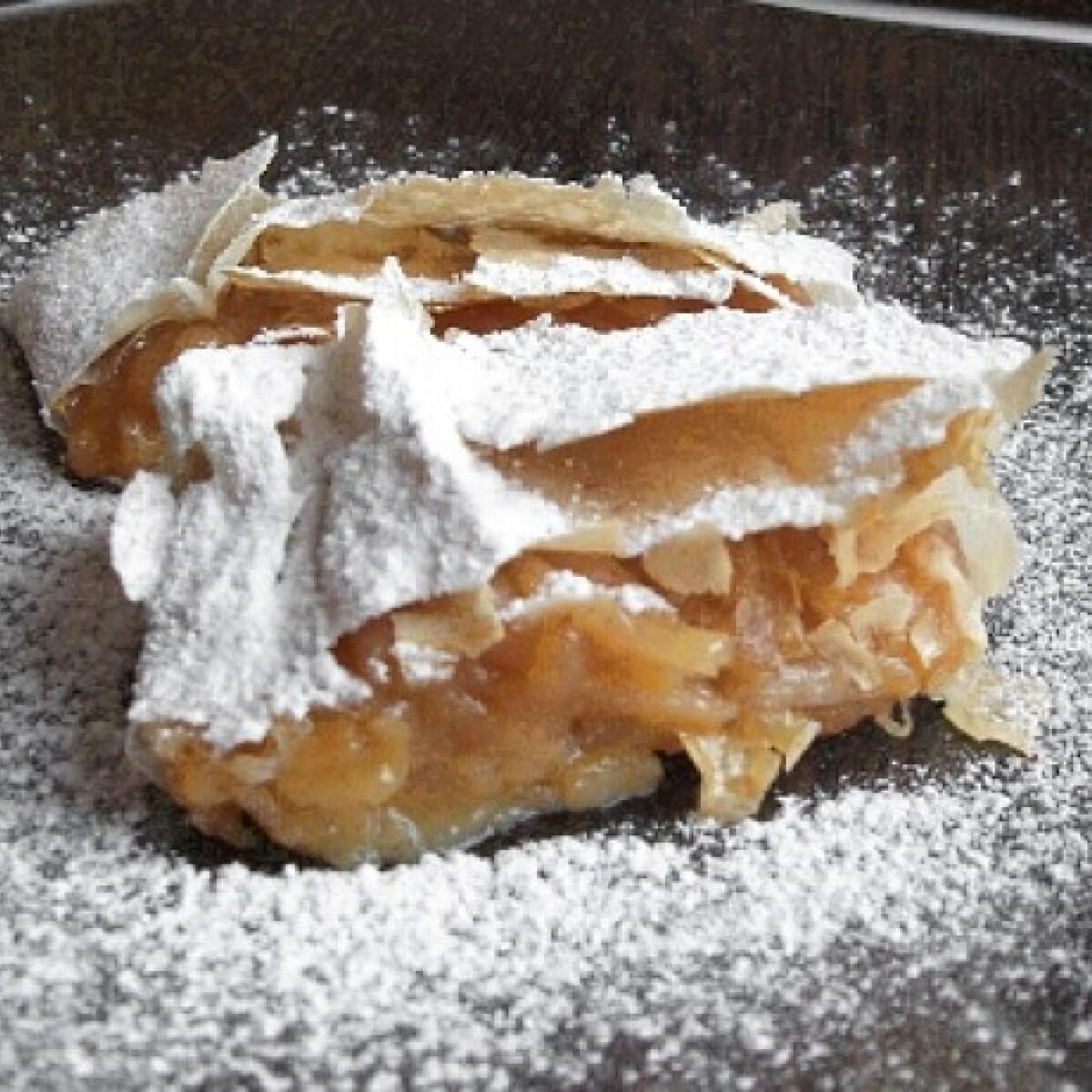 Ezen a képen: Almás-vaníliás rétes