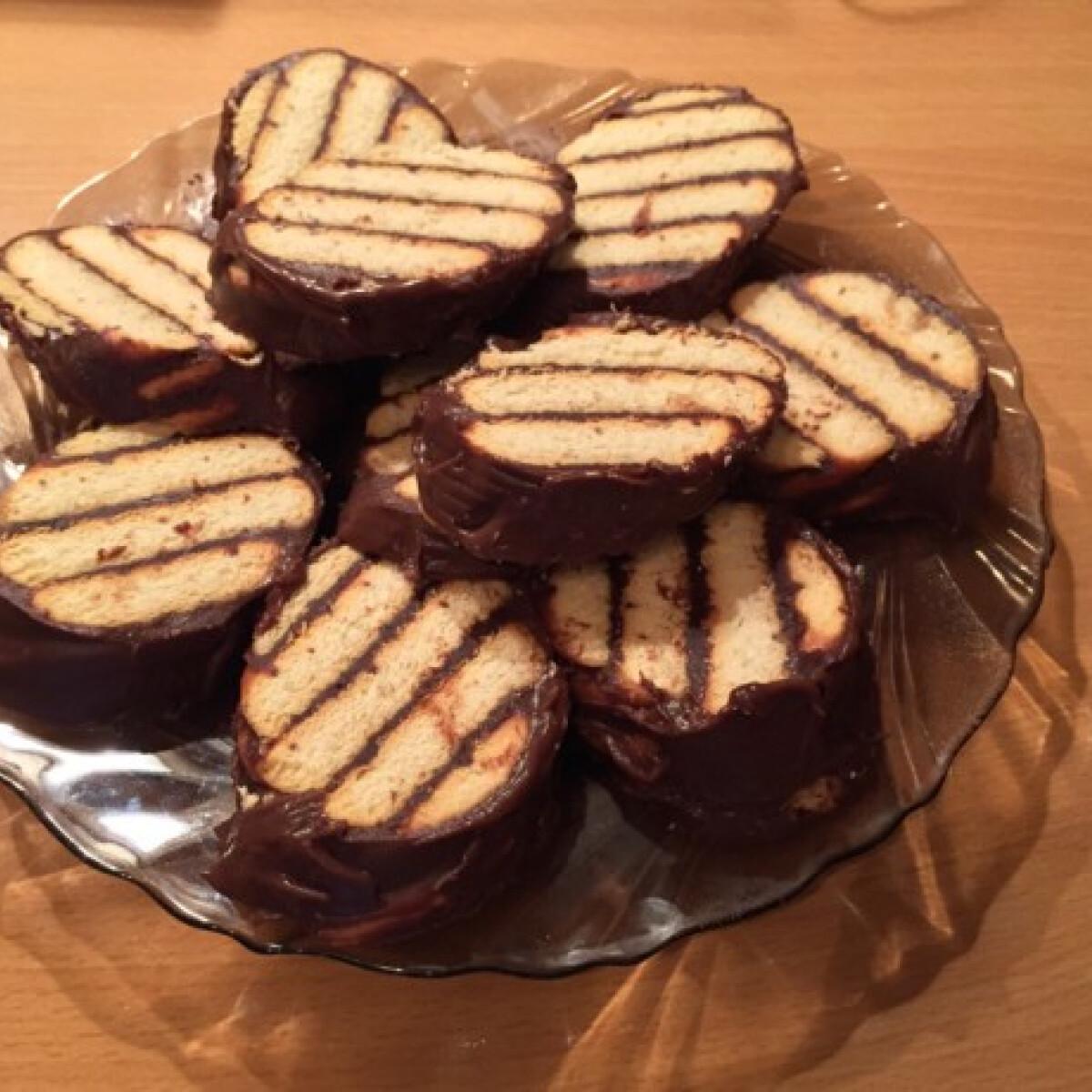 Ezen a képen: Albert kekszes süti Anadrog konyhájából