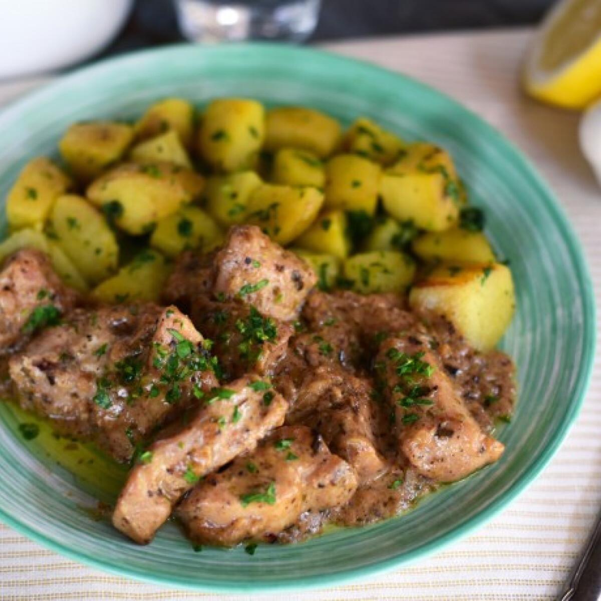 Ezen a képen: Fokhagymás-citromos csirkemell