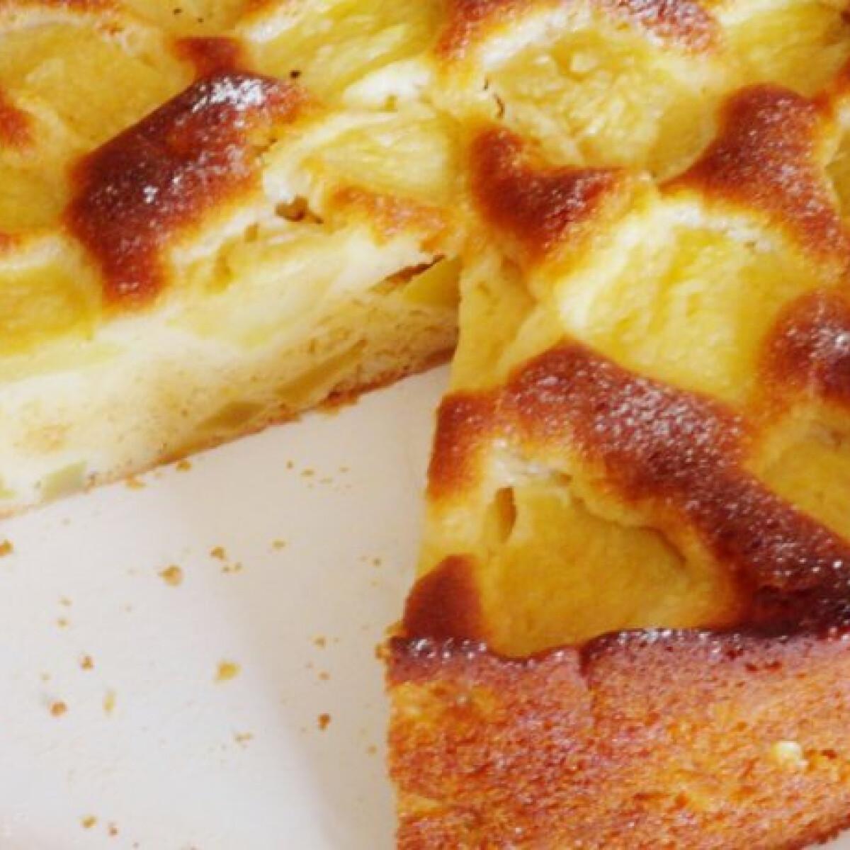 Ezen a képen: Tojáslikőrös-almás sütemény