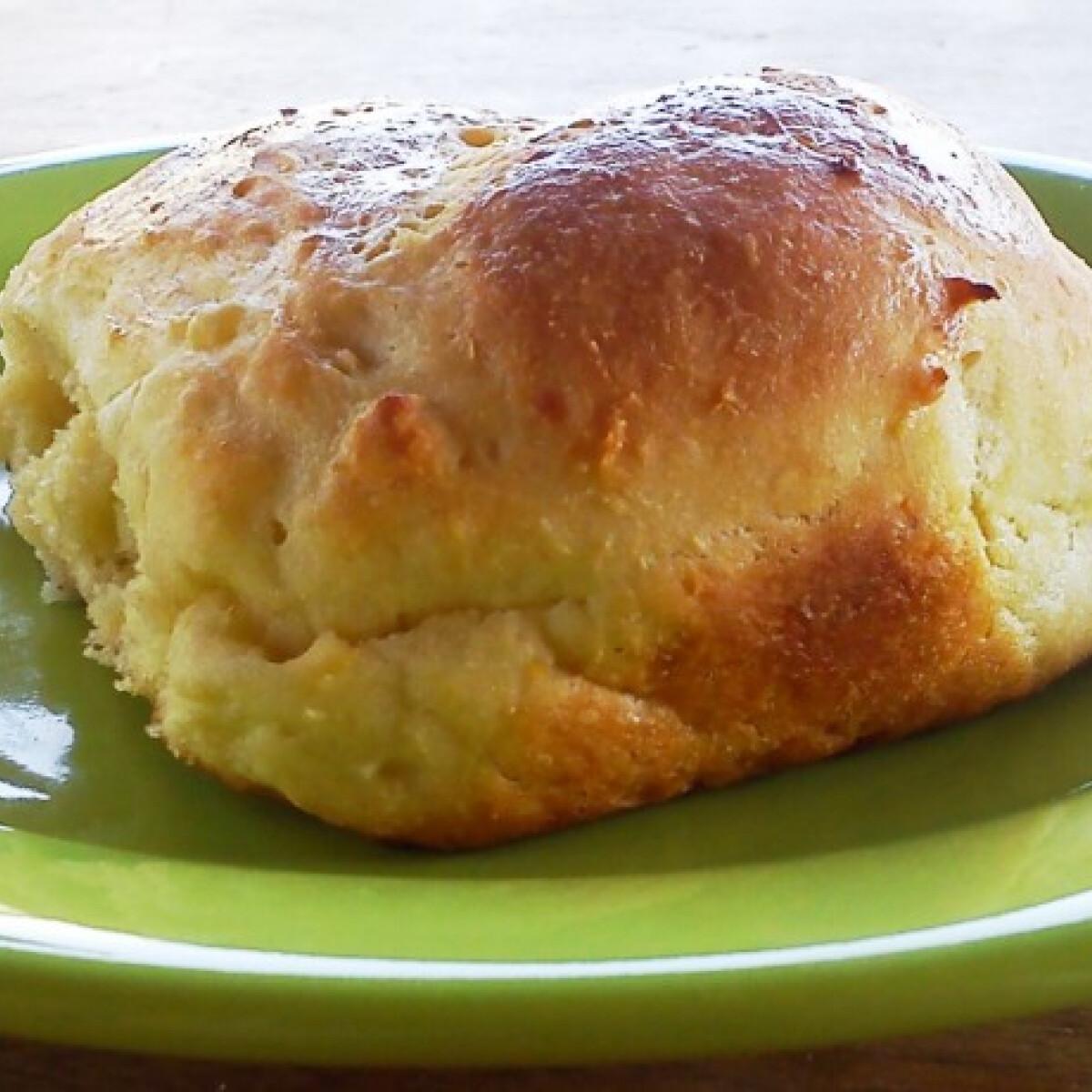Ezen a képen: Krumplis zsemle BeePoo konyhájából