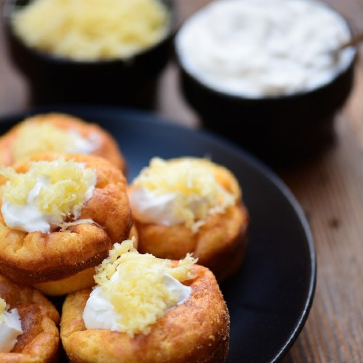 Ezen a képen: Dupla sajtos-tejfölös puffancs