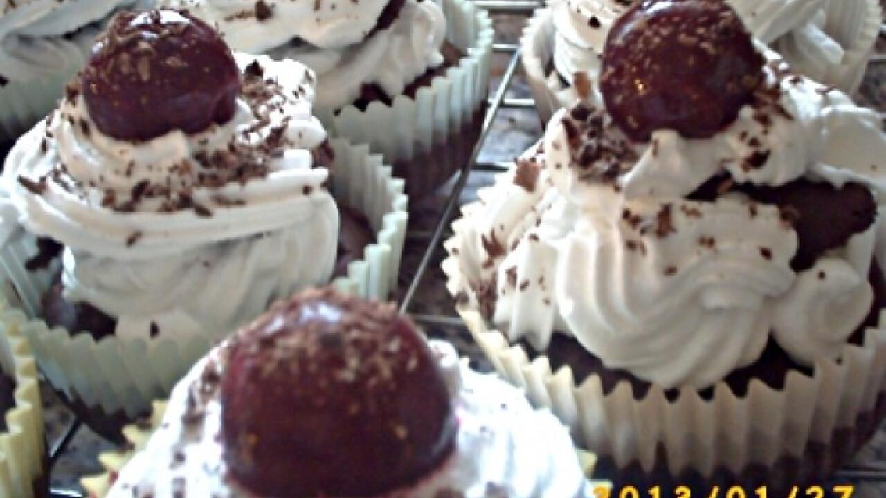 Fekete erdei muffin Edit konyhájából