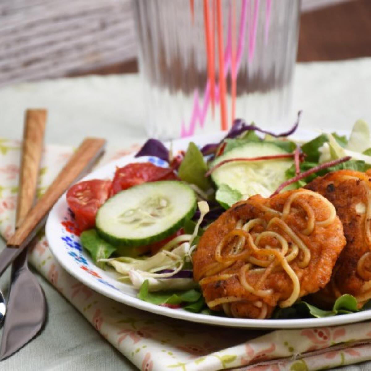 Ezen a képen: Spagettifasírt