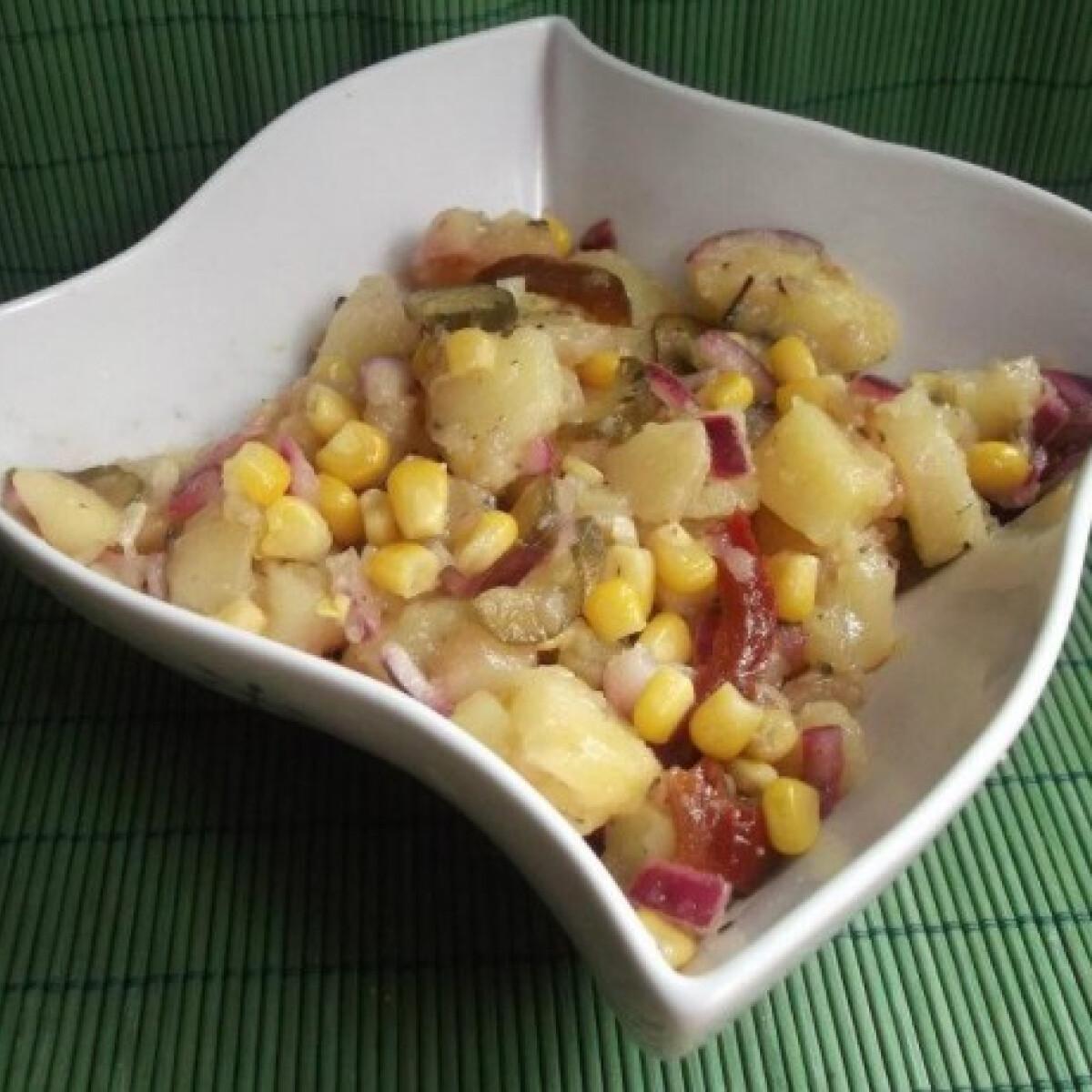 Ezen a képen: Zöldséges krumplisaláta