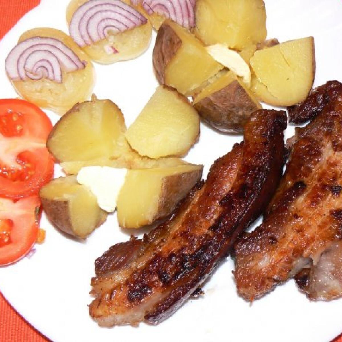 Ezen a képen: Sült császárhús Tésztásfültől