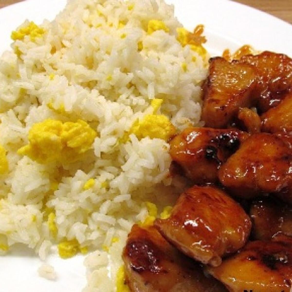 Kínai mustáros-mézes csirke rántottás rizzsel