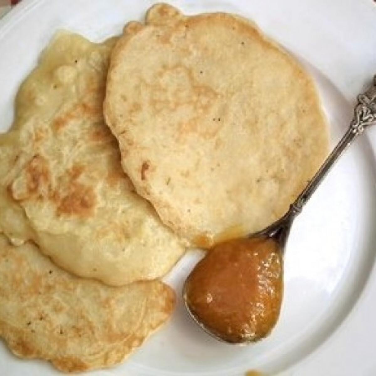 Ezen a képen: Almás-mézes palacsinta tejmentesen