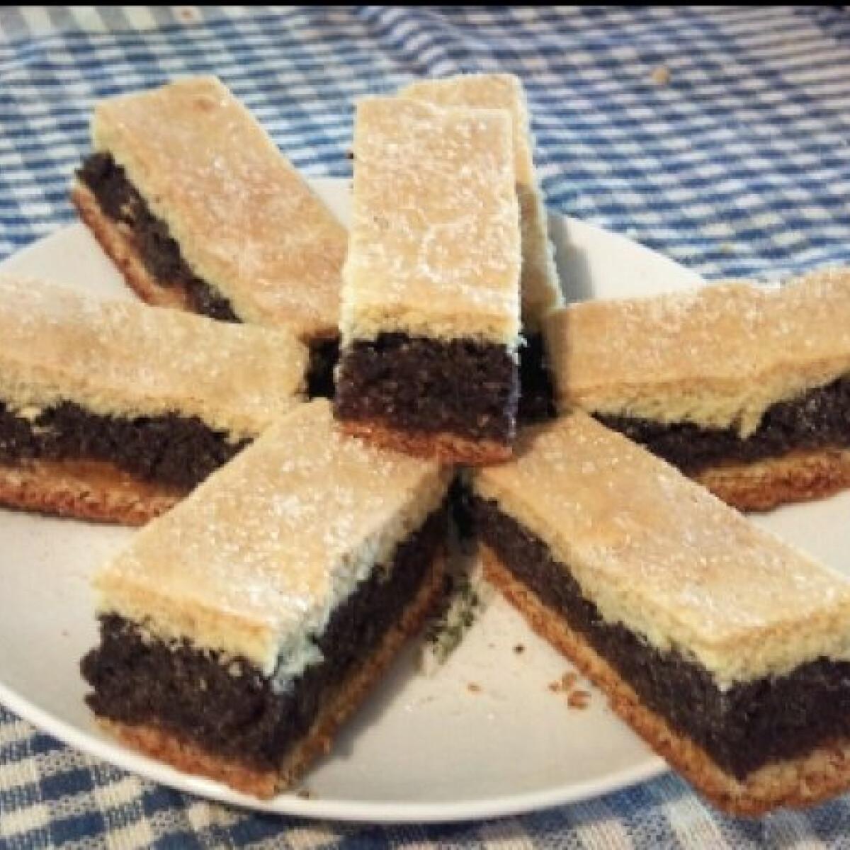 Ezen a képen: Mákos süti Alexandra konyhájából