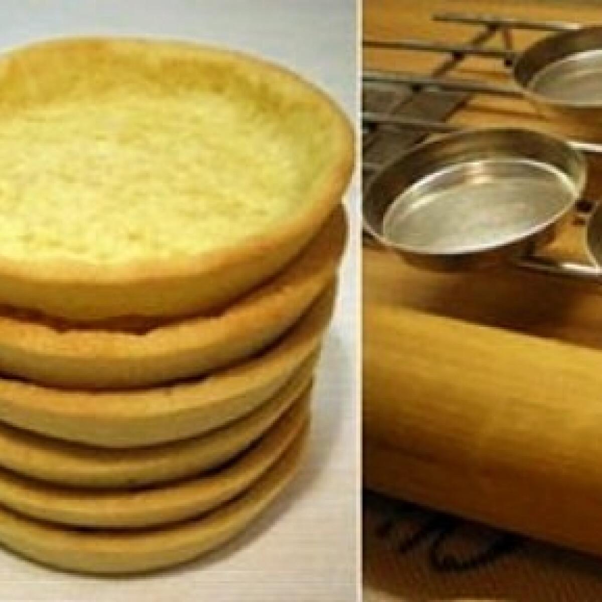 Ezen a képen: Mandulás omlós tészta - alaprecept