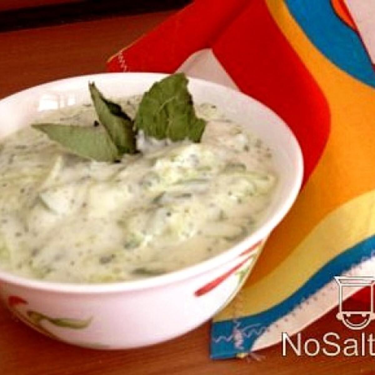 Joghurtos-mentás uborkasaláta