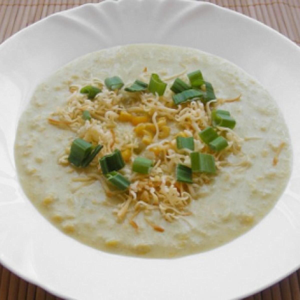 Ezen a képen: Hagymás-sajtos kukorica-krémleves