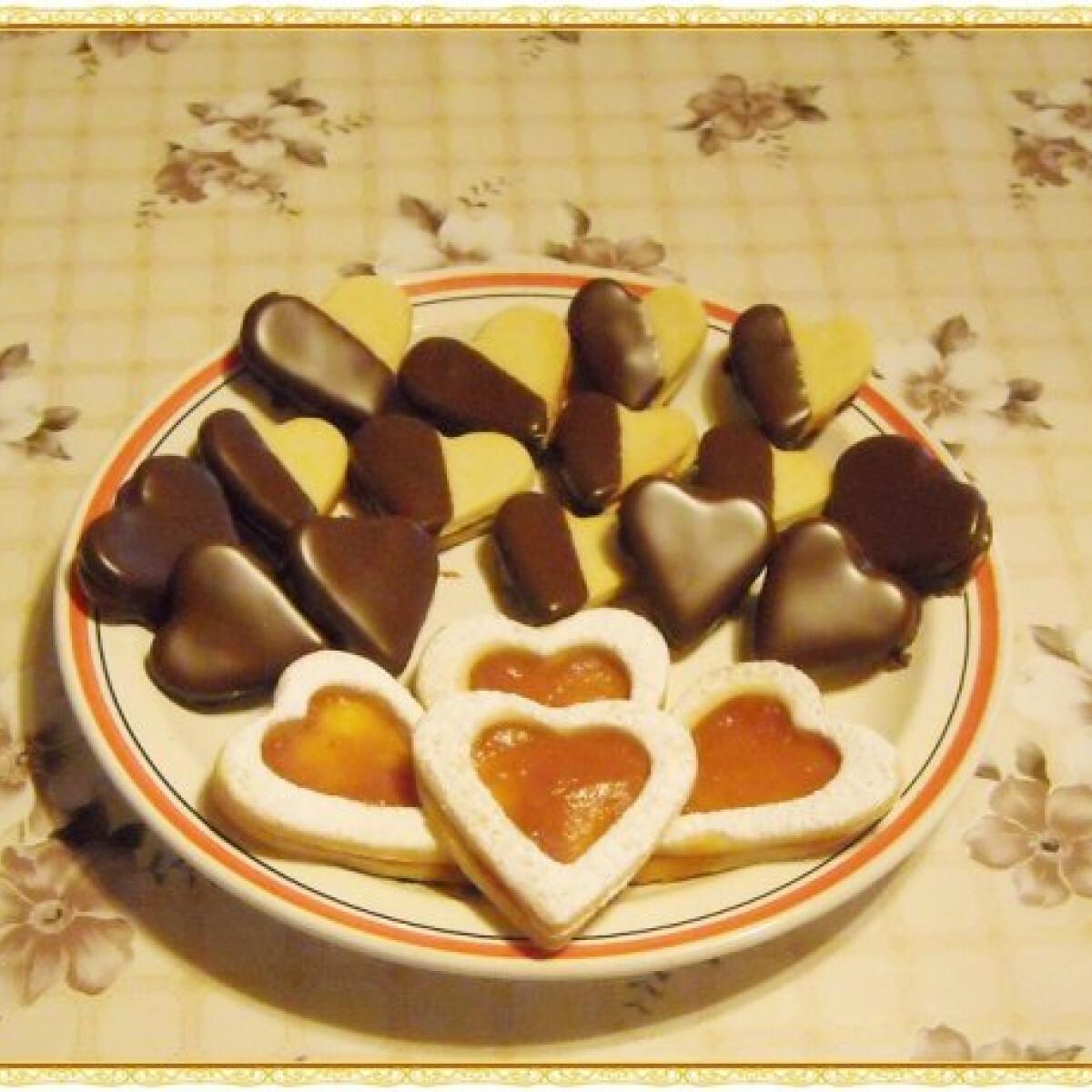 Ezen a képen: Linzer szívek Nikóka konyhájából