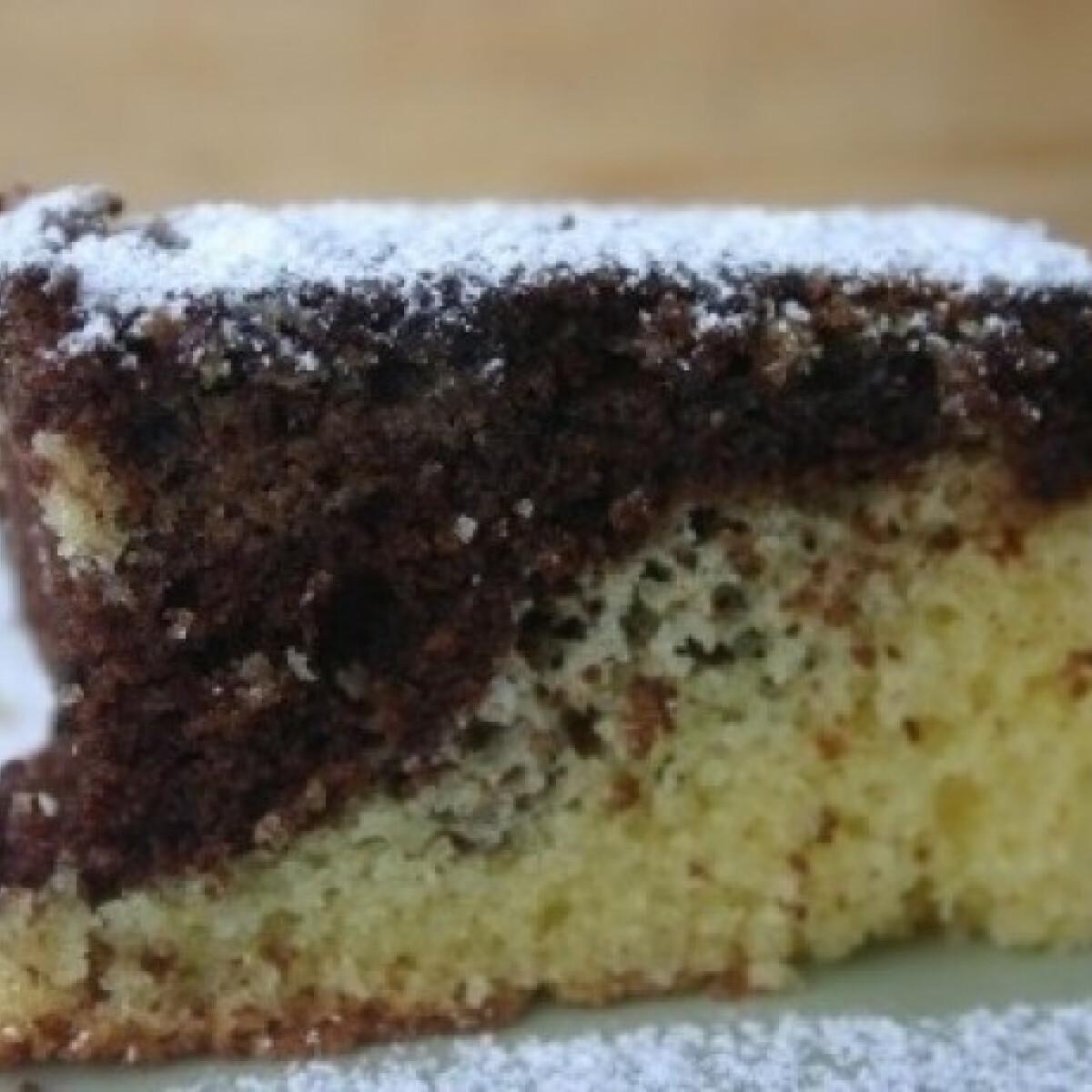 Ezen a képen: Kétszínű sütemény