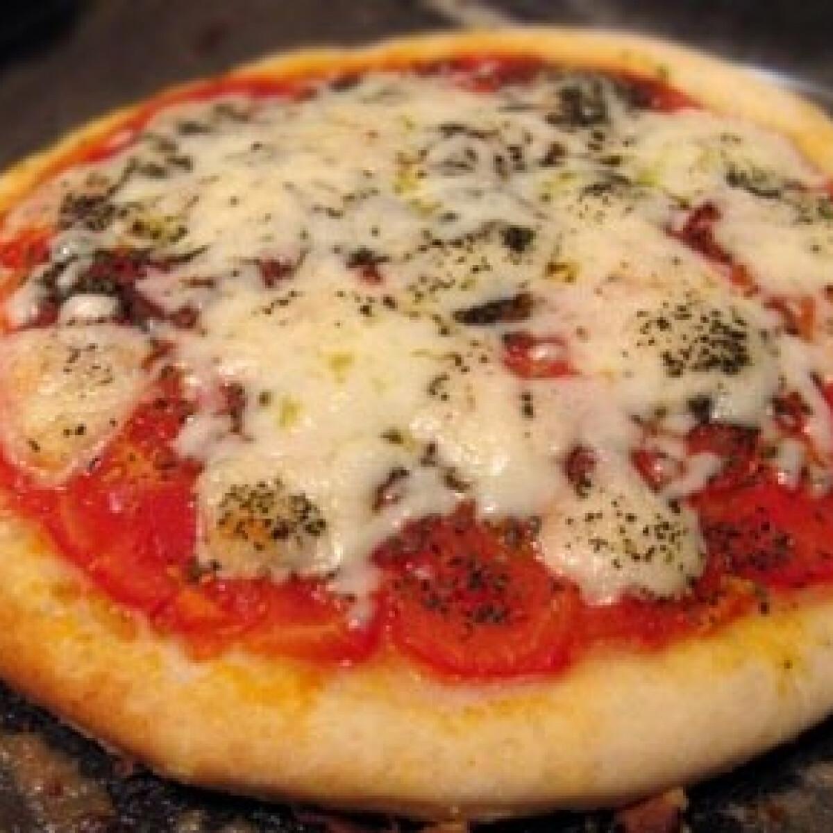 Ezen a képen: Pizza Margherita