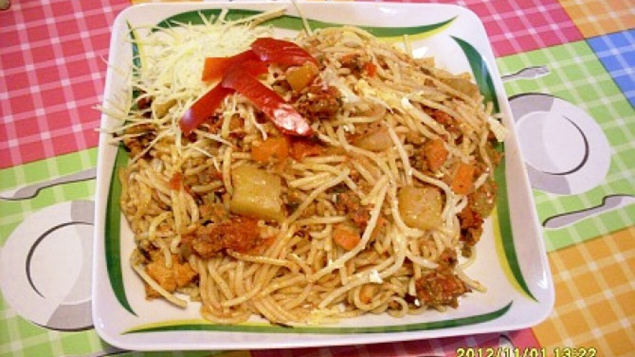Vegyes-zöldséges olaszos szósz spagettivel
