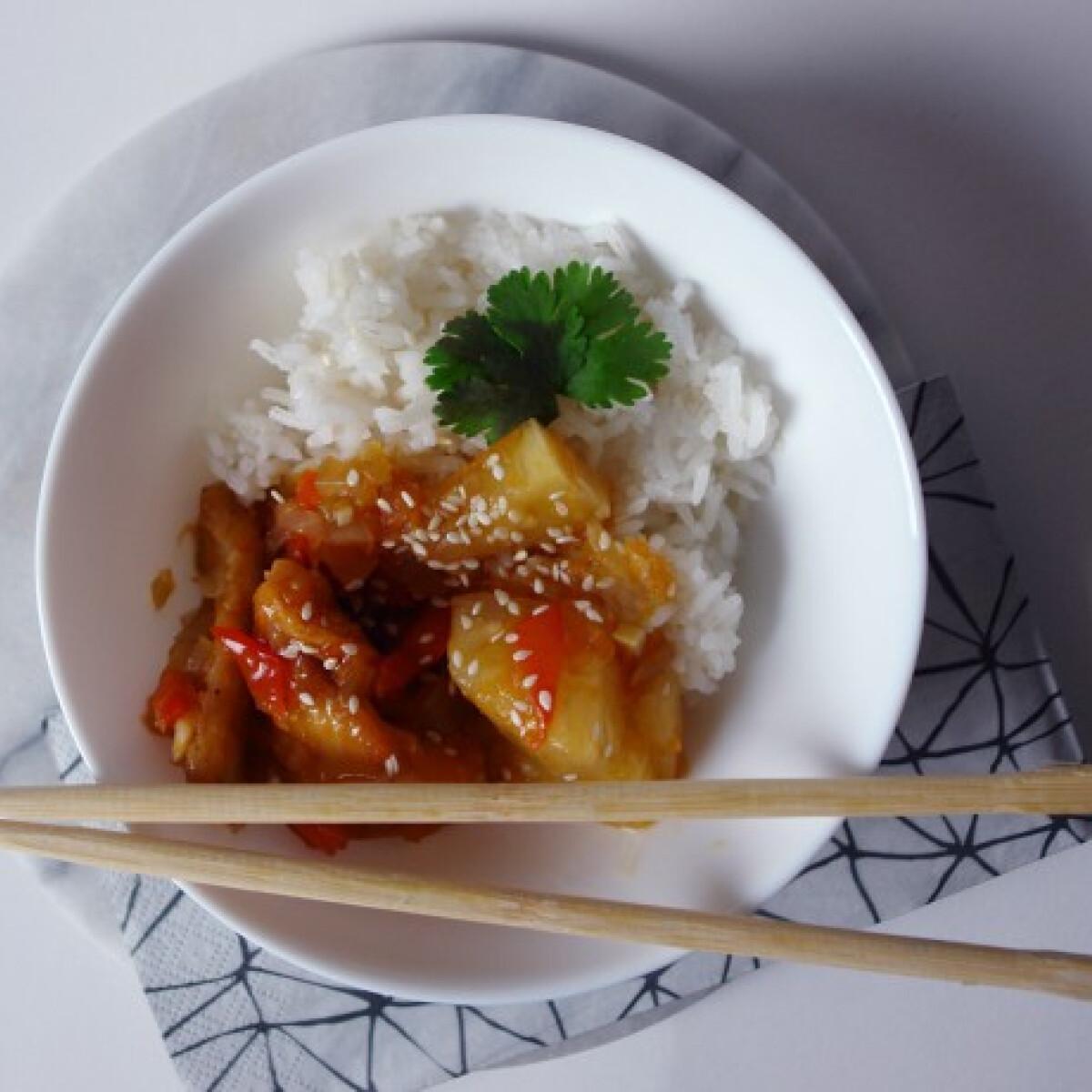 Ezen a képen: Édes savanyú ananászos csirke rizzsel