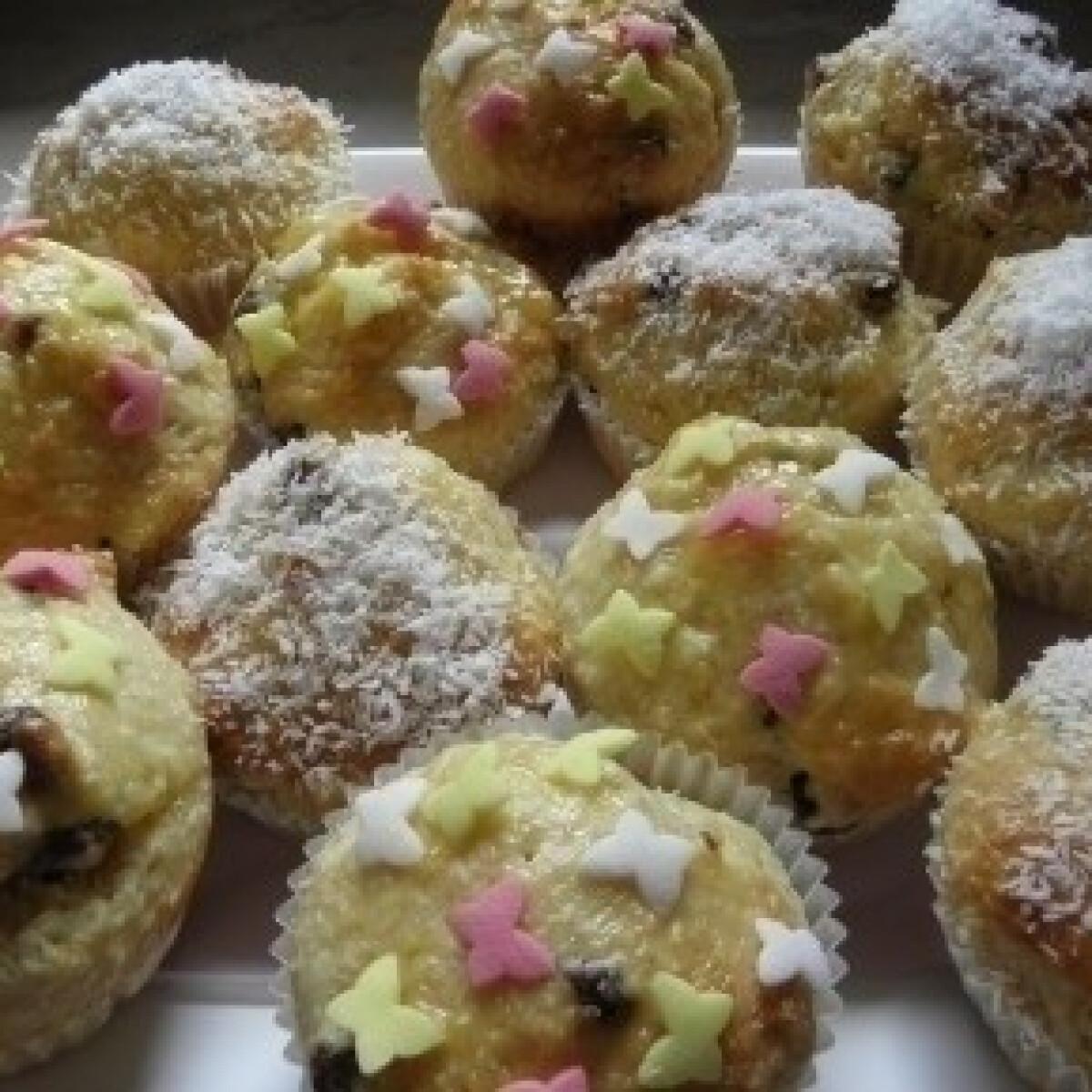 Lemon curd muffin